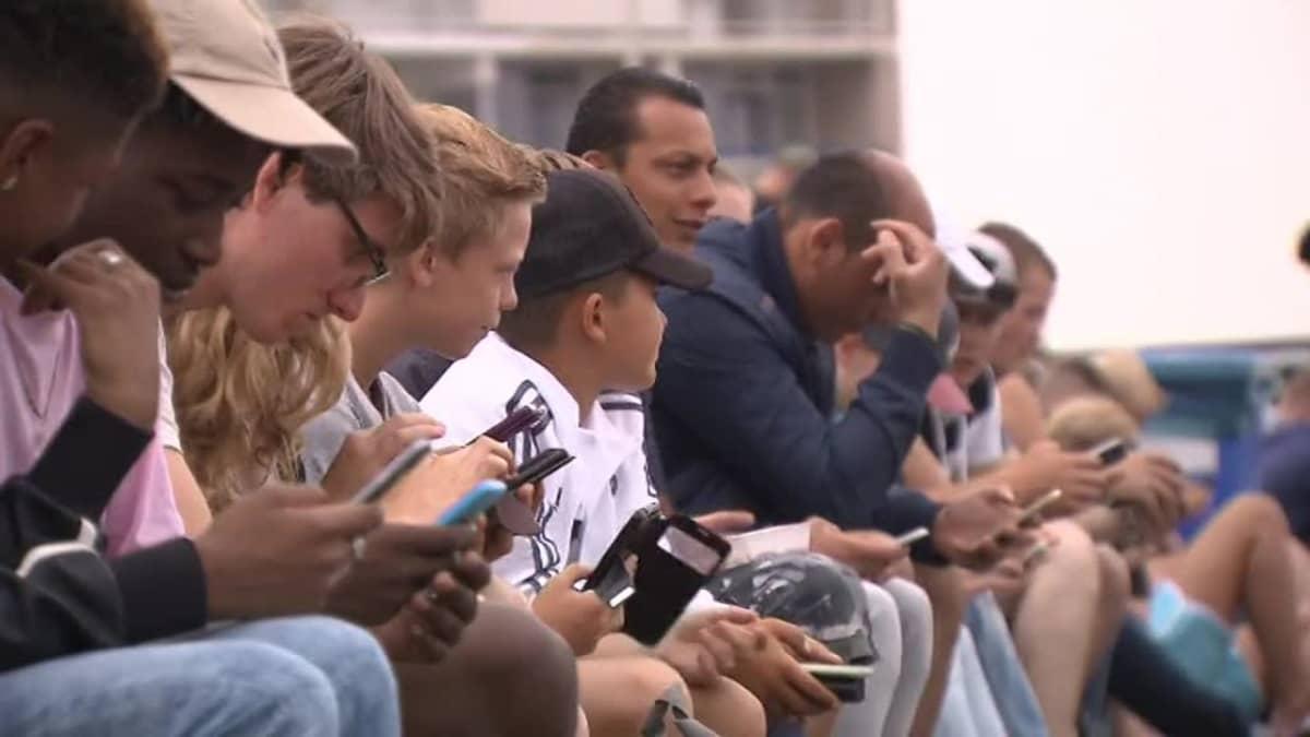 Uutisvideot: Viranomaiset ajoivat Pokémonit pois rannalta Hollannissa
