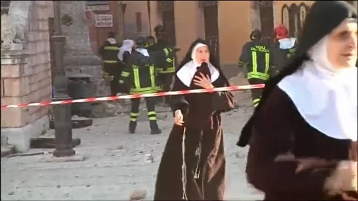 Uutisvideot: Maanjäristyksen jälkiä Italian Norciassa