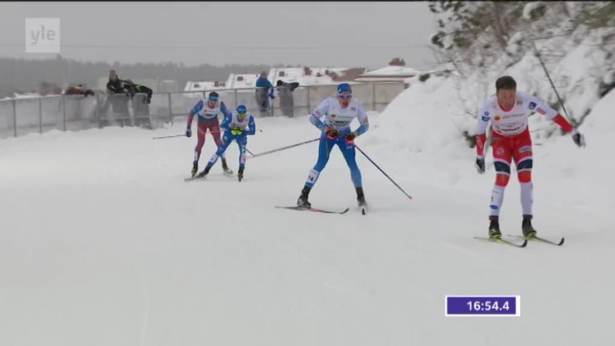 """MM-Lahti, päivän tapahtumat: """"Norja kaatuu, Suomi kaatuu, he kaatuvat sylikkäin!"""" – Jarmo Lehtisen tunteikas selostus miesten parisprintissä"""