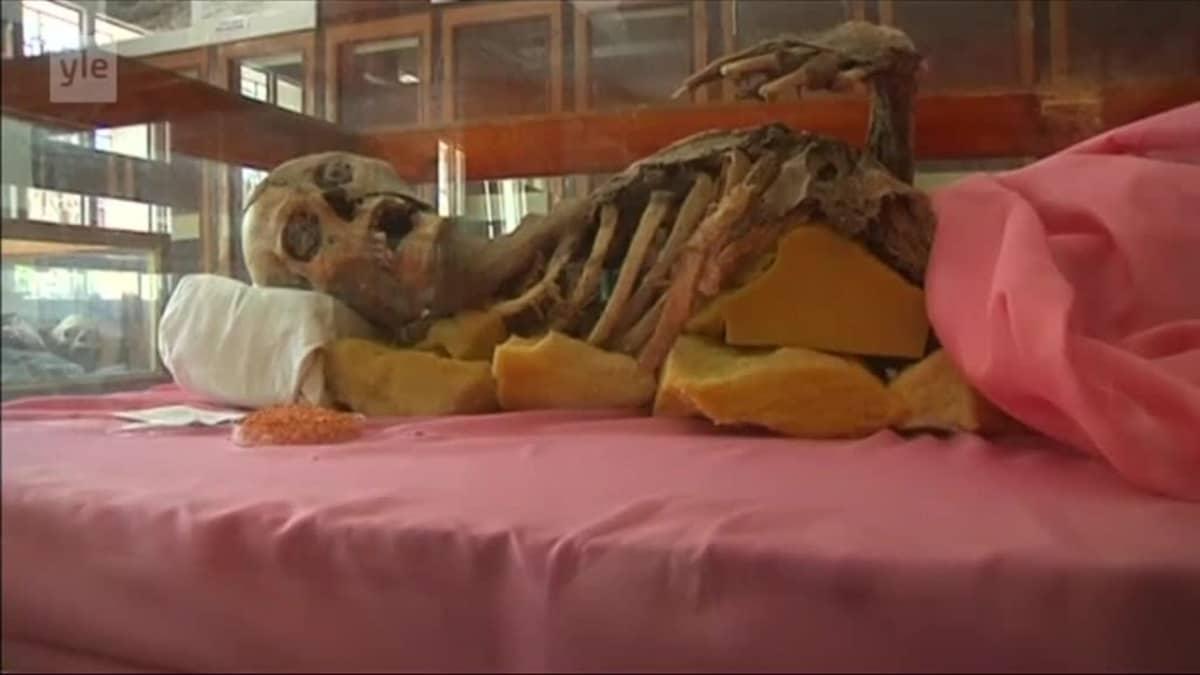 Uutisvideot: Muinaiset muumiot mädäntyvät Jemenissä