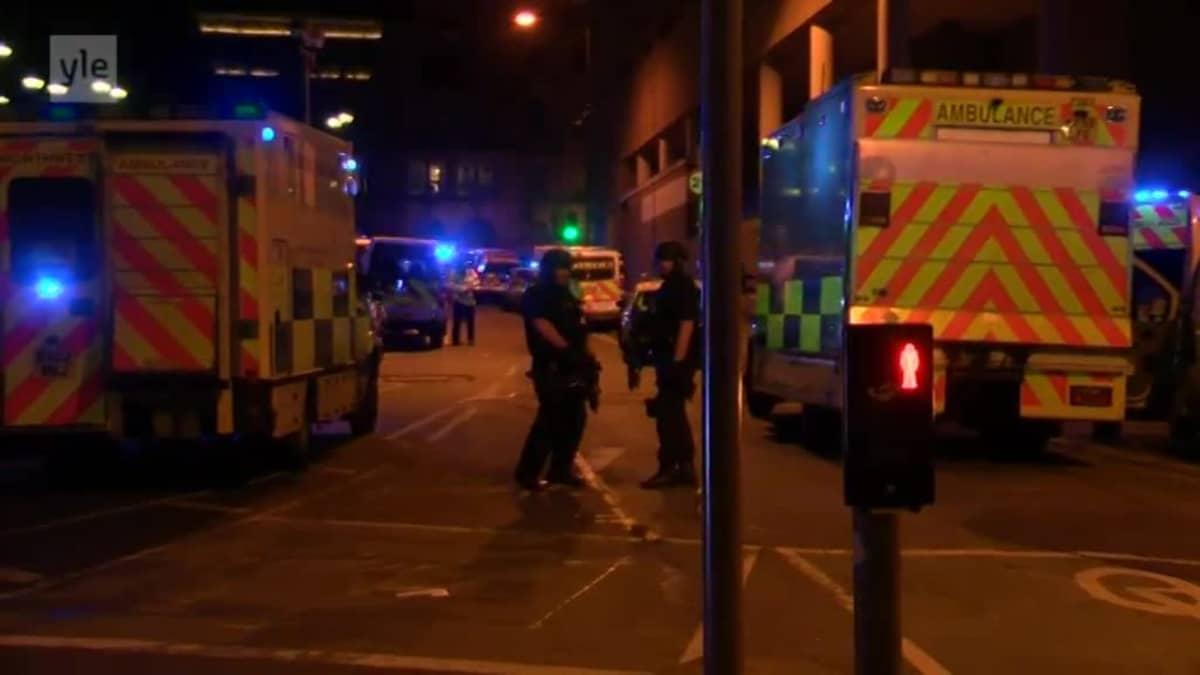 Uutisvideot: Poliisi partioi lähellä Manchester Arenaa iskun jälkeen