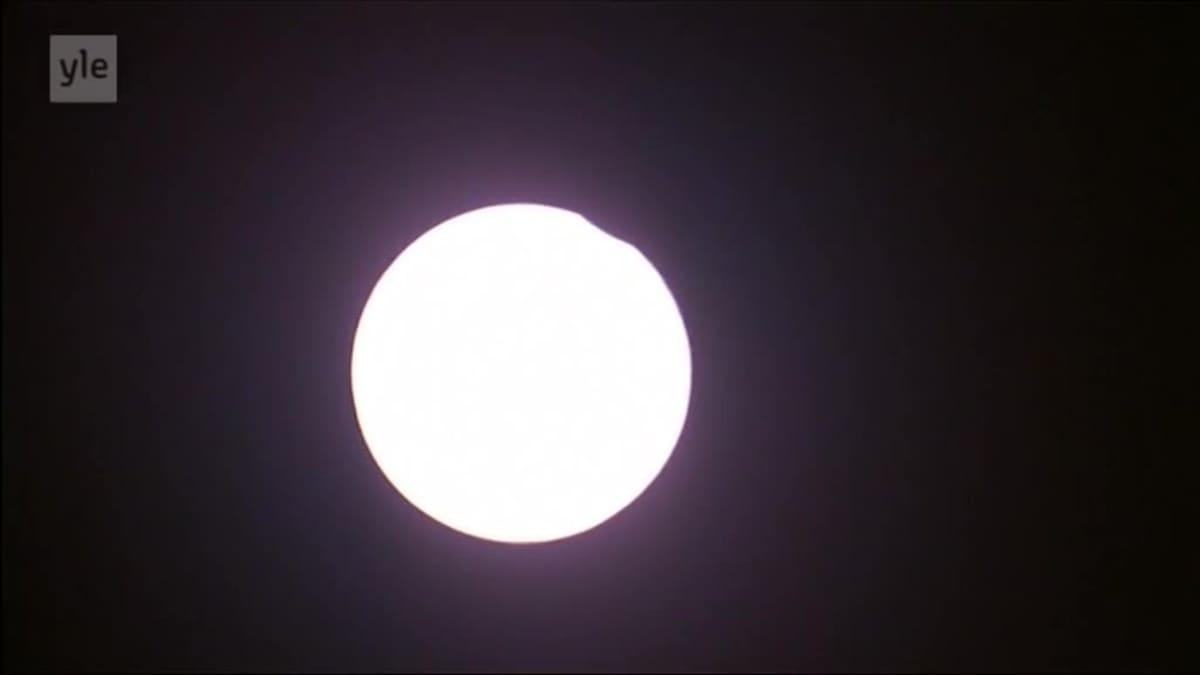 Uutisvideot: Yhdysvalloissa seurattiin täydellistä auringonpimennystä
