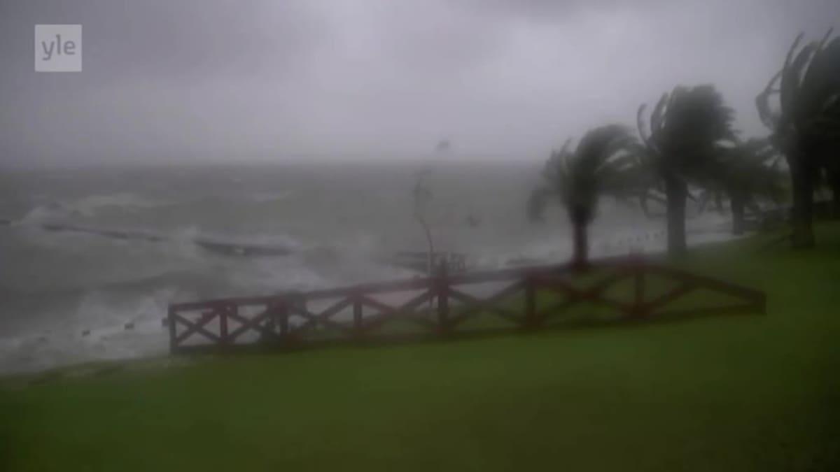 Uutisvideot: Hurrikaani Harvey iski Texasin rannikolle
