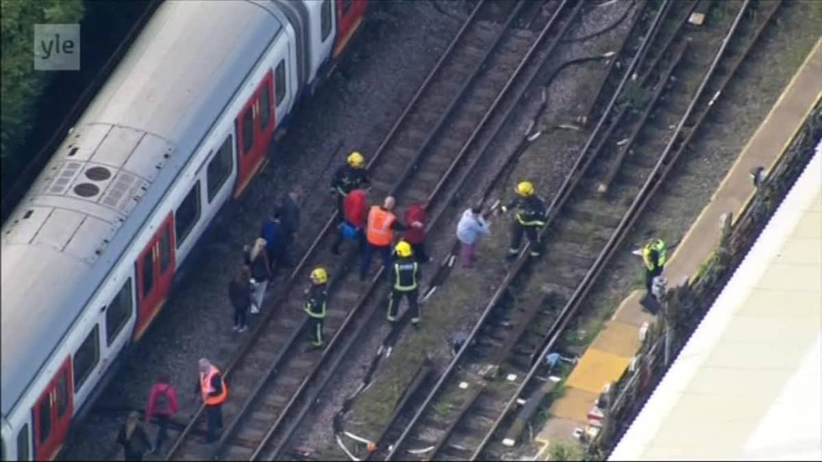 Uutisvideot: Lontoon metrossa räjähti