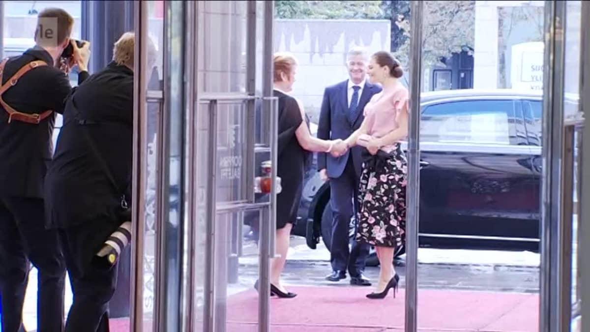 Uutisvideot: Prinsessa Victoria saapui Suomeen