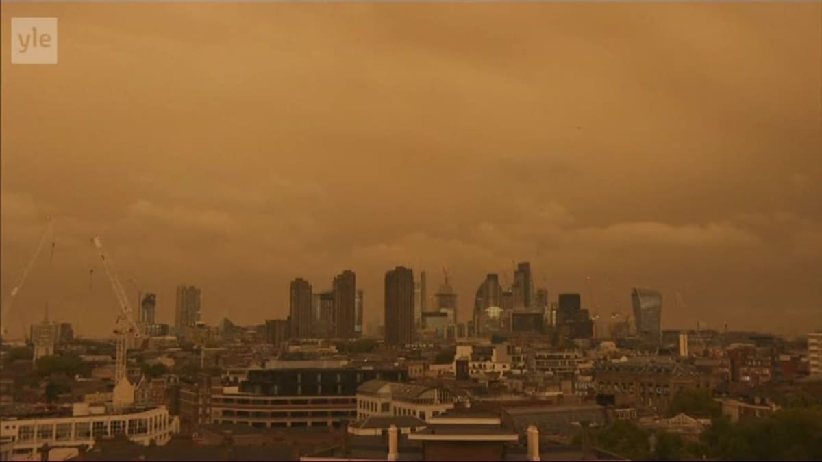 Uutisvideot: Ophelia-myrsky värjäsi Lontoon taivaan punertavaksi