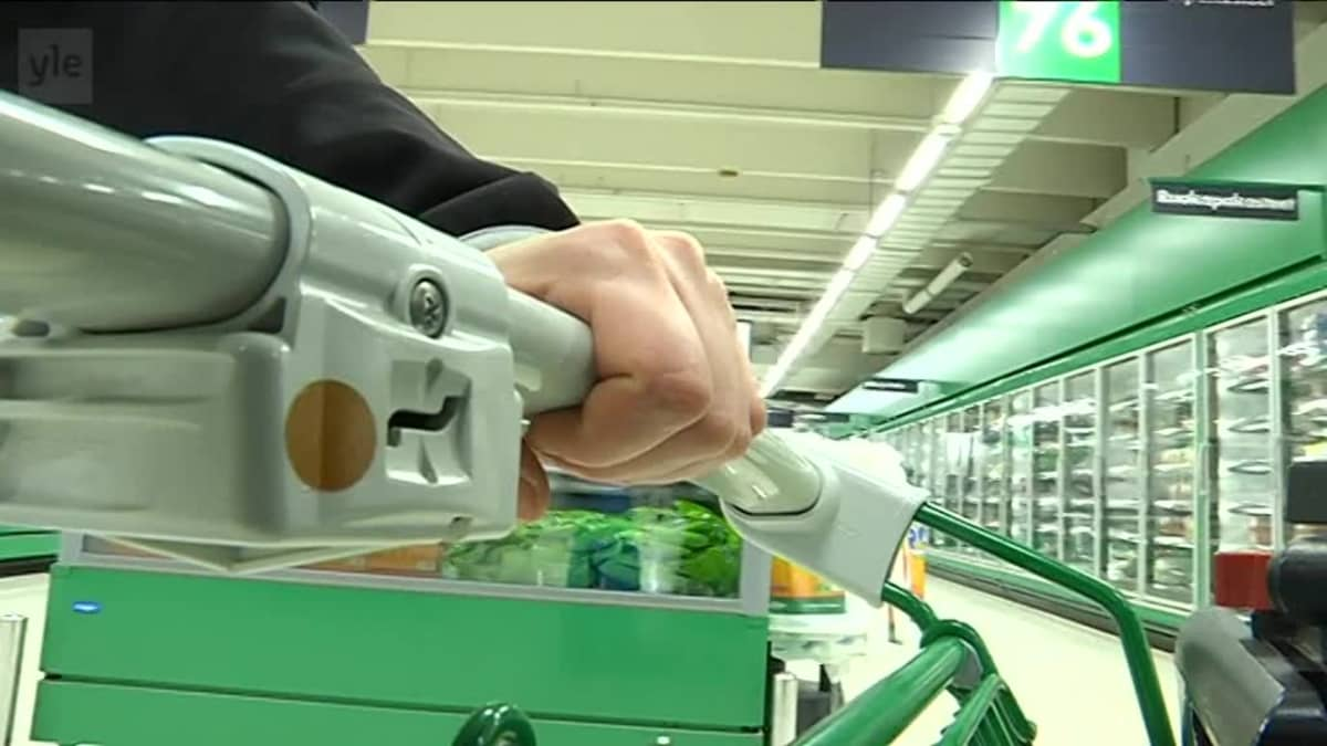 Yle Uutiset Pirkanmaa: Yöostoksilla marketissa