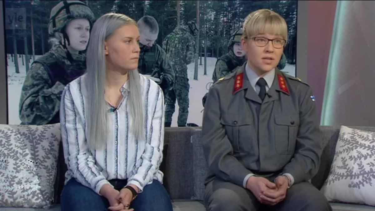 Ylen aamu-tv: Naisten kokemuksia armeijasta