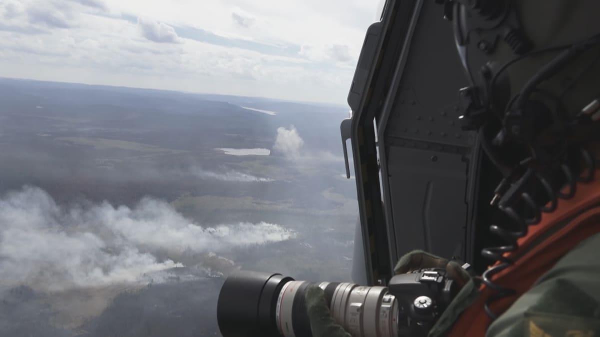Ruotsissa metsäpaloihin kokeiltiin pommituksia