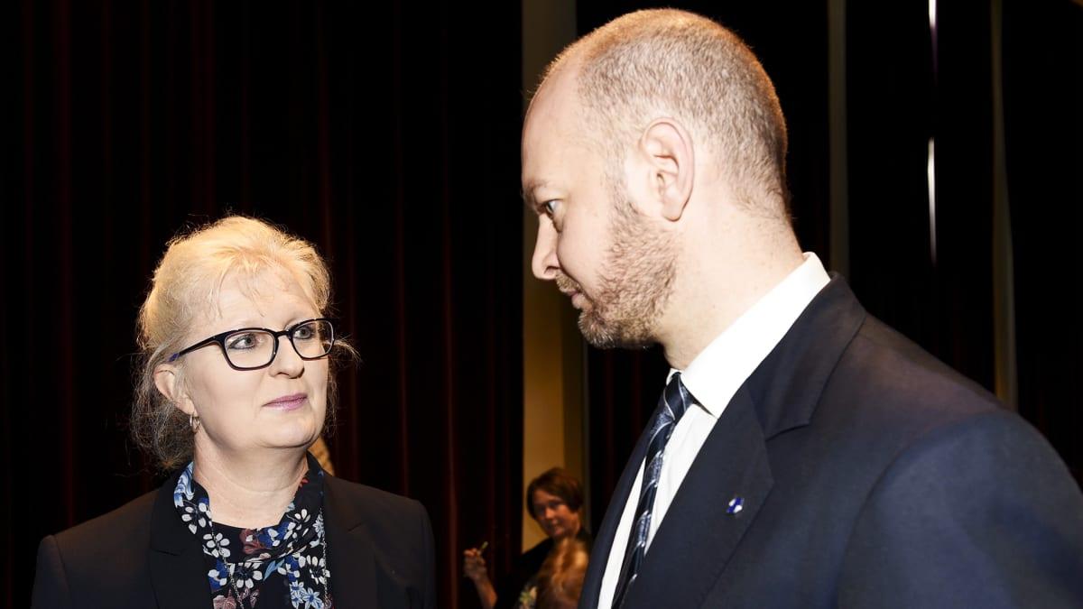 Selvitys elokuva- ja kulttuurialan seksuaalisesta häirinnästä luovutetaan ministeri Terholle
