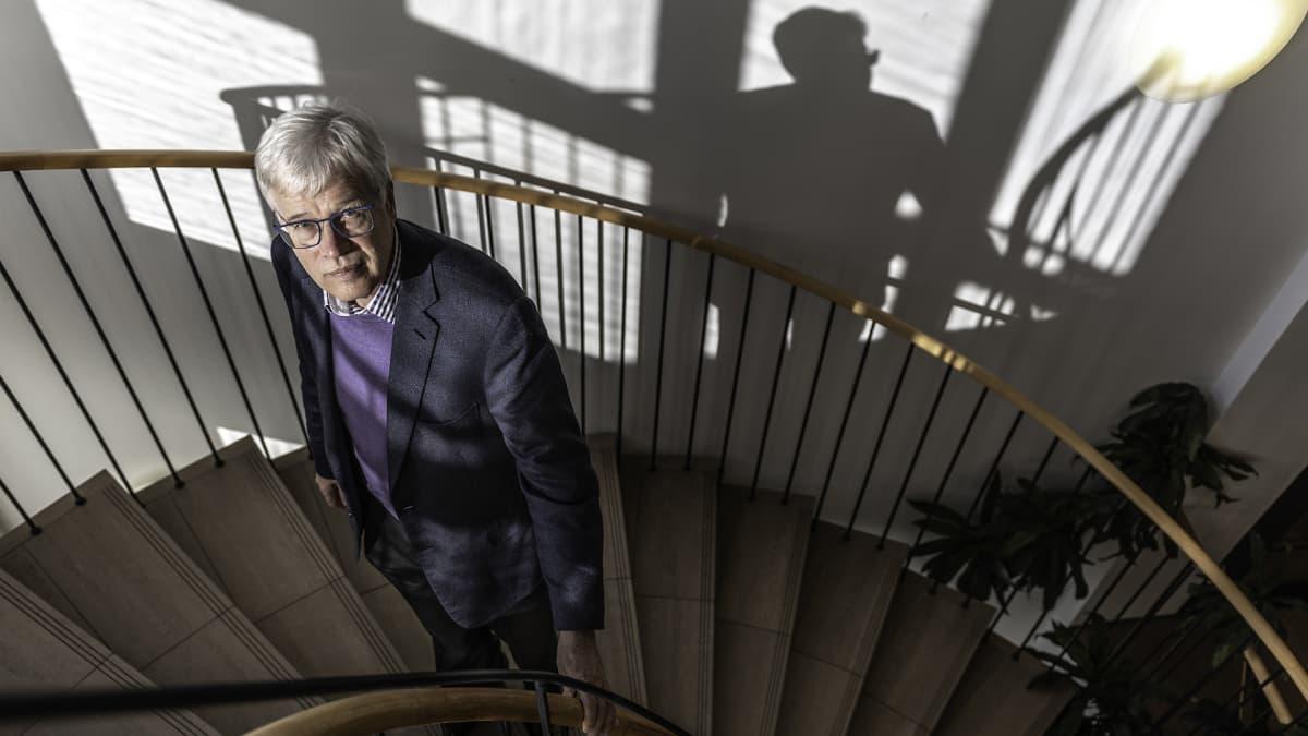 Talousnobelisti Bengt Holmström: Suomalaiset työmarkkinat toimivat itsekkäästi