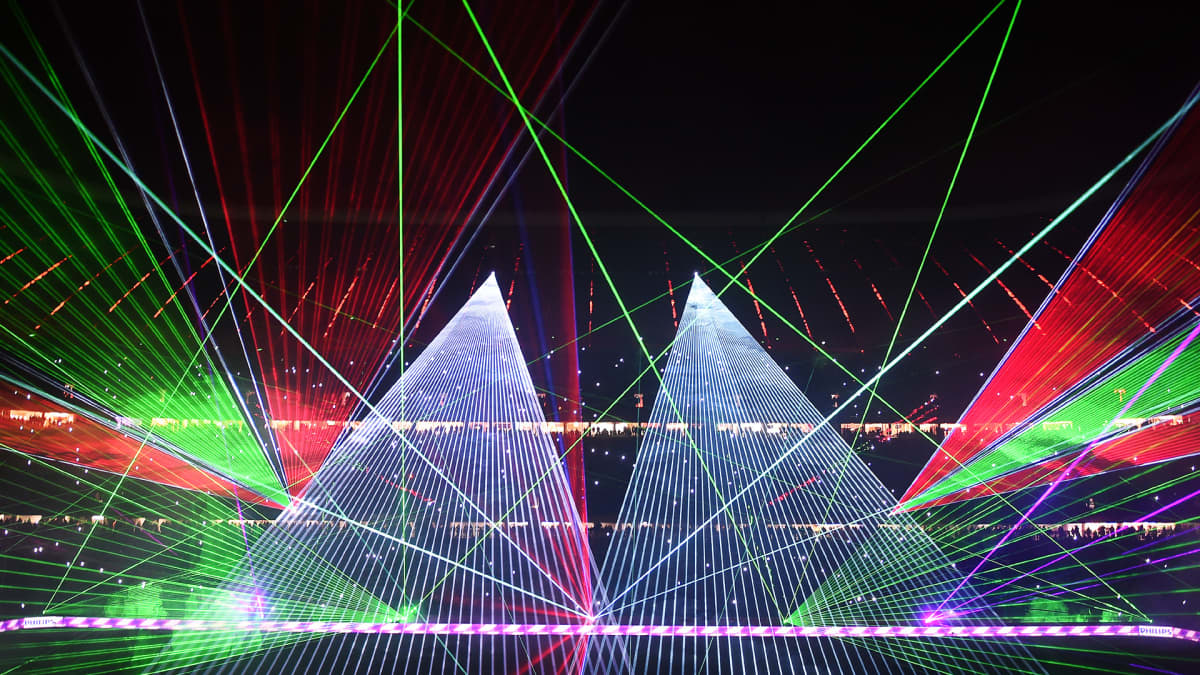 Espoo loihti taivaalle laser-esityksen