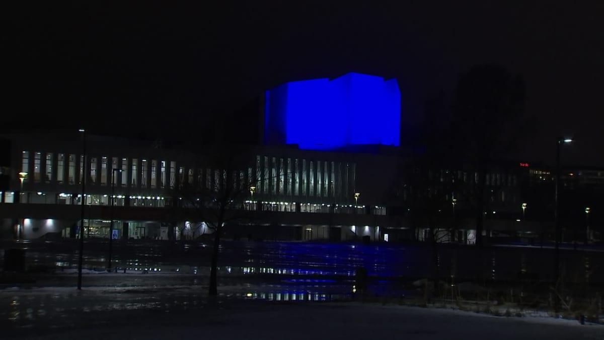 Uuden-Seelannin uhreja muistettiin valaisemalla Finlandia-talon torni