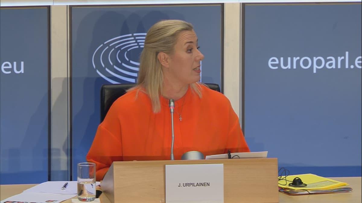 Jutta Urpilainen oli EU-parlamentin kuulemisessa