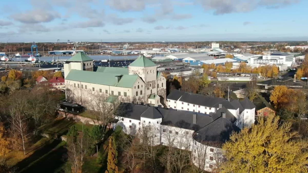 Turun linnan muureja korjataan turvallisuussyistä