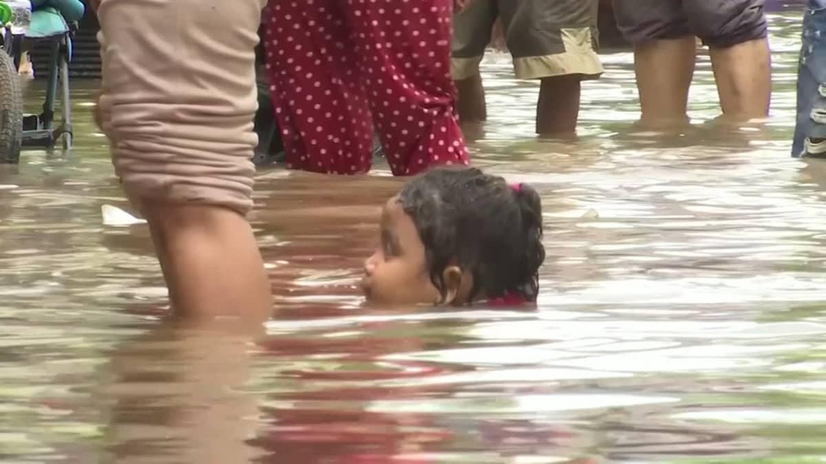 18 kuoli uudenvuoden tulvissa Jakartassa