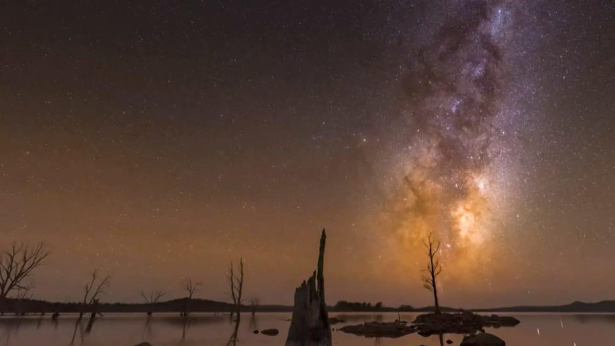Linnunradan loisto sykähdytti Tasmaniassa - katso onnekas aikasarjavideo
