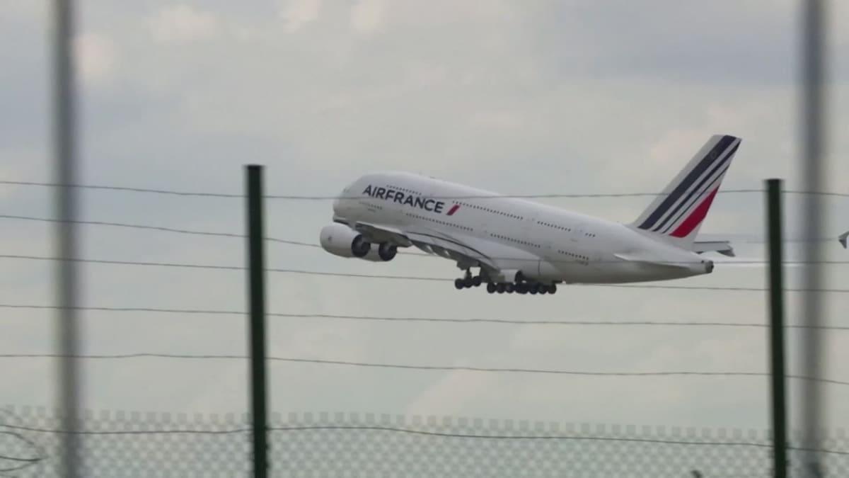 Korona kävi superjumbojen kohtaloksi - Air France sanoi 'adieu' viimeiselle A380-lentokoneellensa