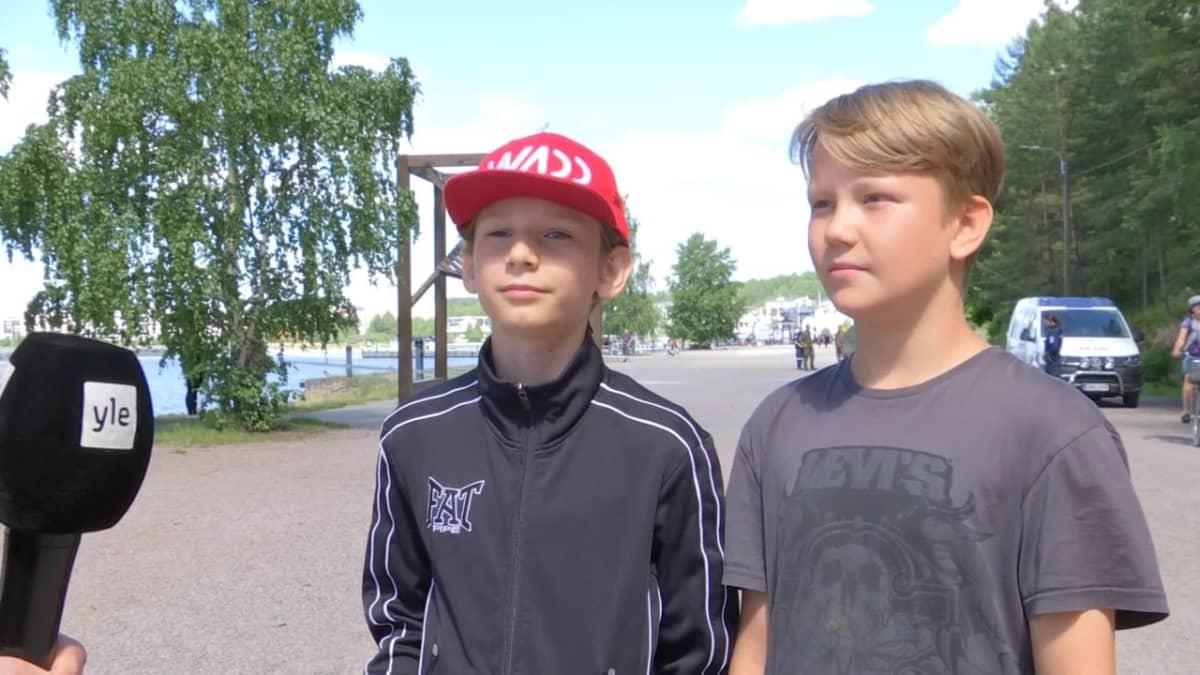 Pojat löysivät kranaatin Lahden satamasta