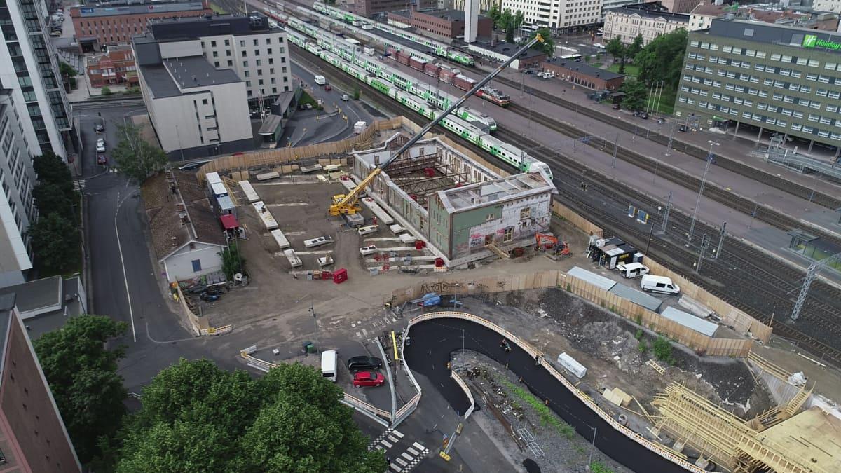Tampereen vanha tavara-asema siirtyi uudelle paikalleen