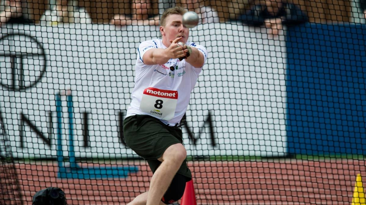 Aaron Kangas nousi hirmuheitollaan maailmantilastossa toiseksi
