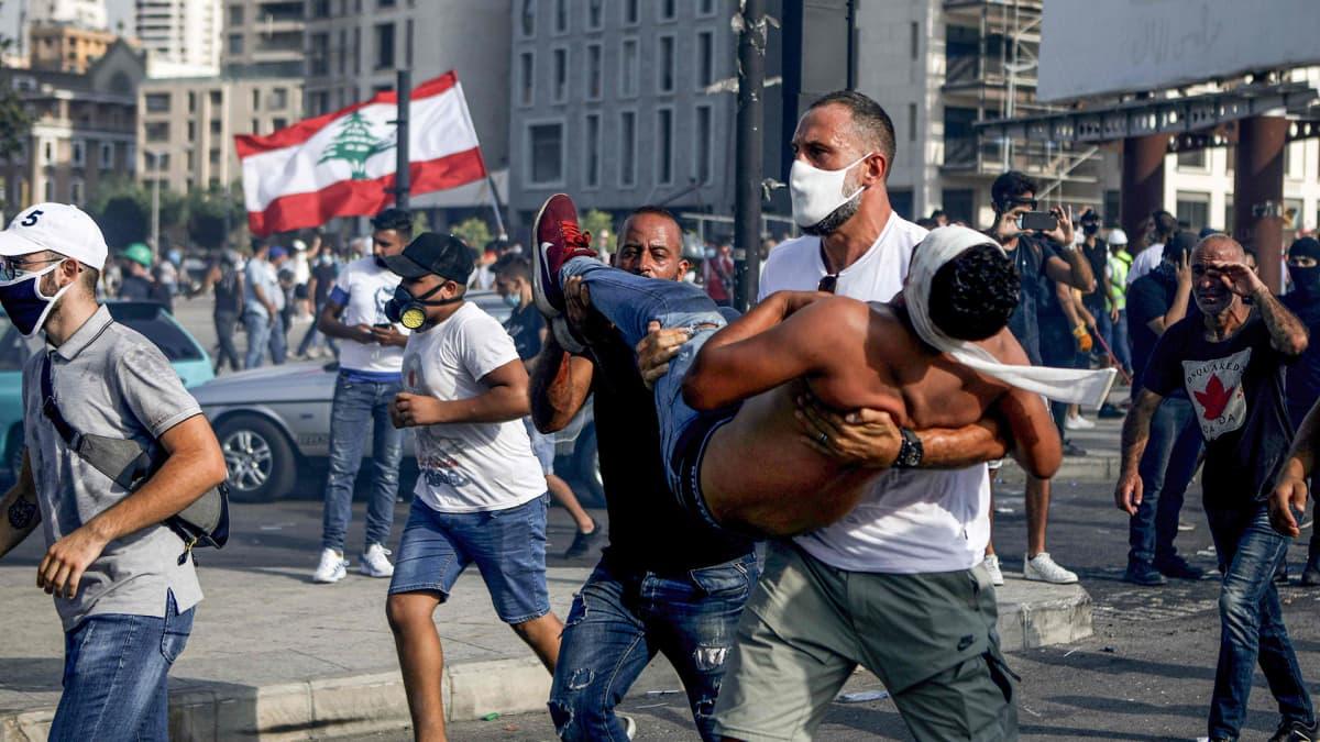 Beirutin hallituksenvastaiset mielenosoitukset jatkuvat