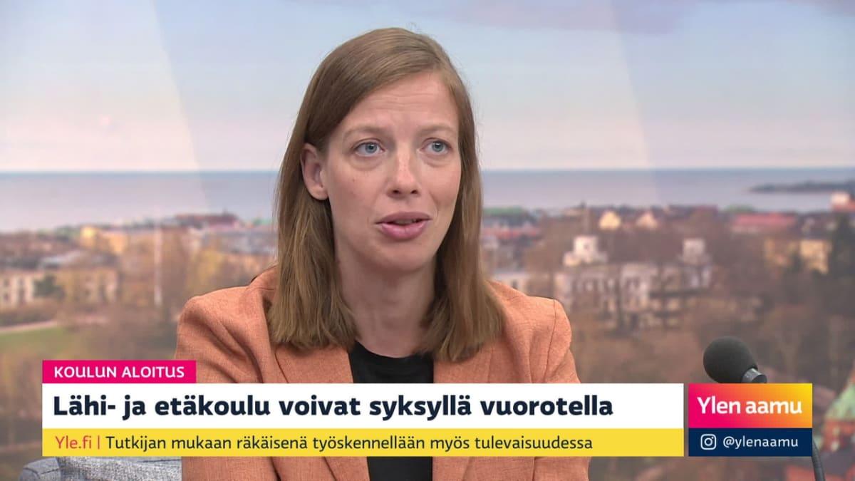 Millä ohjeilla koulut aloittavat koronasyksyn? Vieraana opetusministeri Li Andersson
