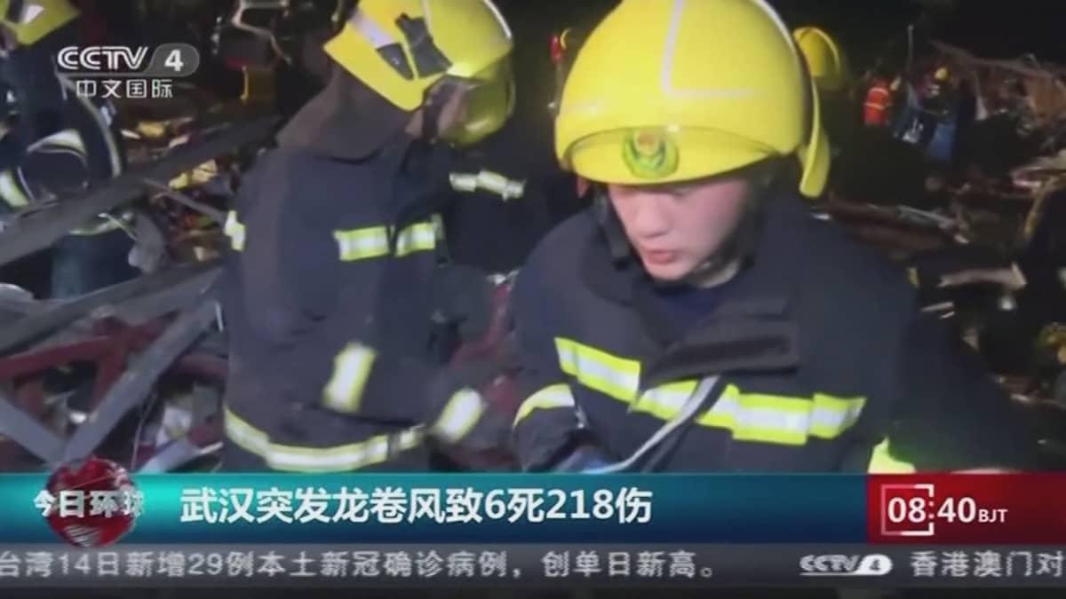 Kiinassa tornadoissa kuoli useita ja loukkaantui satoja