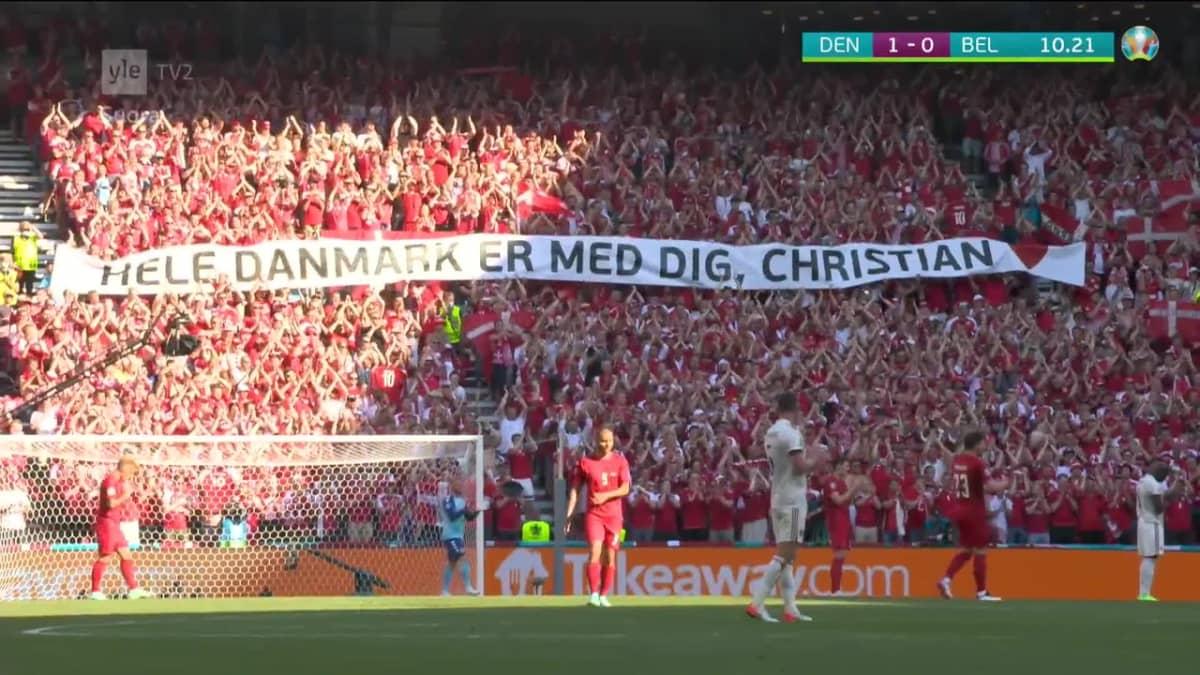 Koko stadion osoitti tukensa Eriksenille