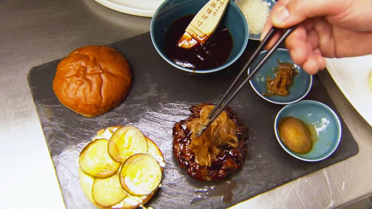 Kirjeenvaihtajamme testasi, miltä maistuu Pekingin ankkahampurilainen