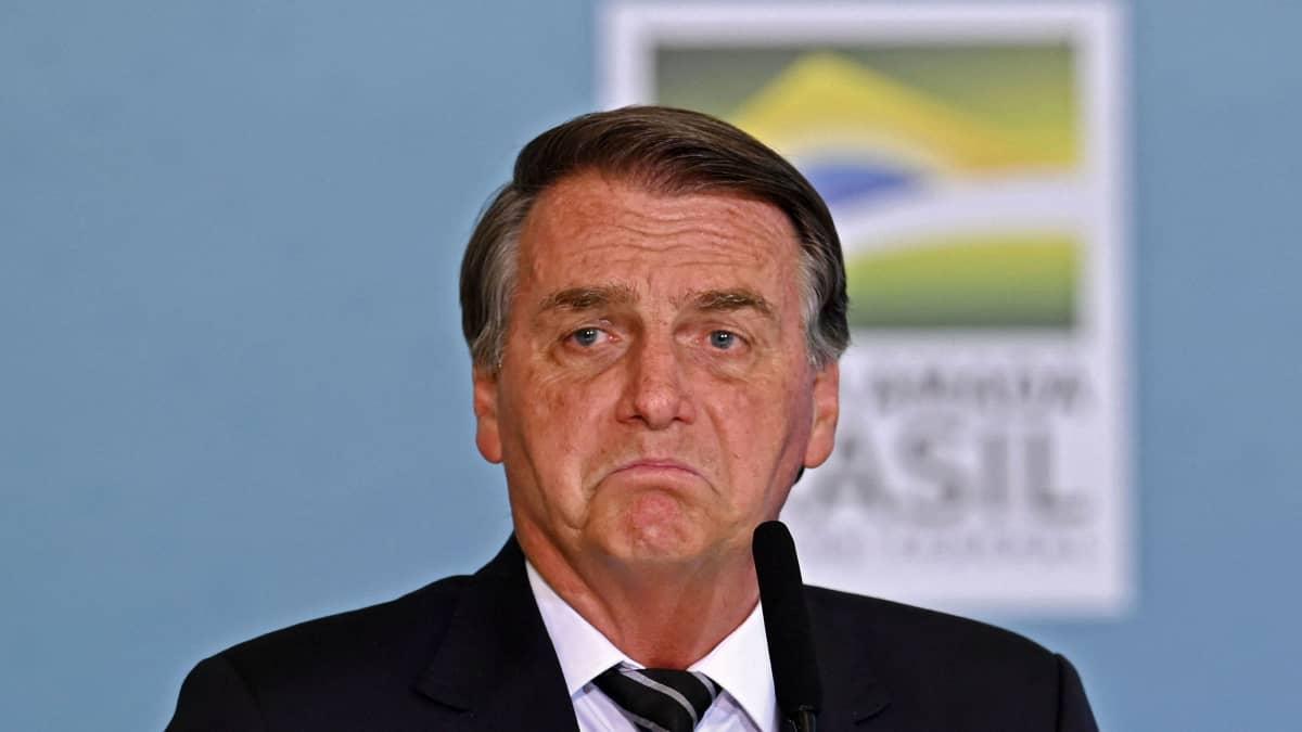 Bolsonaro uhkailee korkeinta oikeutta