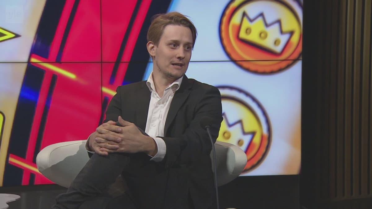 Peliriippuvuudesta kärsinyt Peter Kotilainen siirtäisi rahapeliautomaatit pelisaleihin