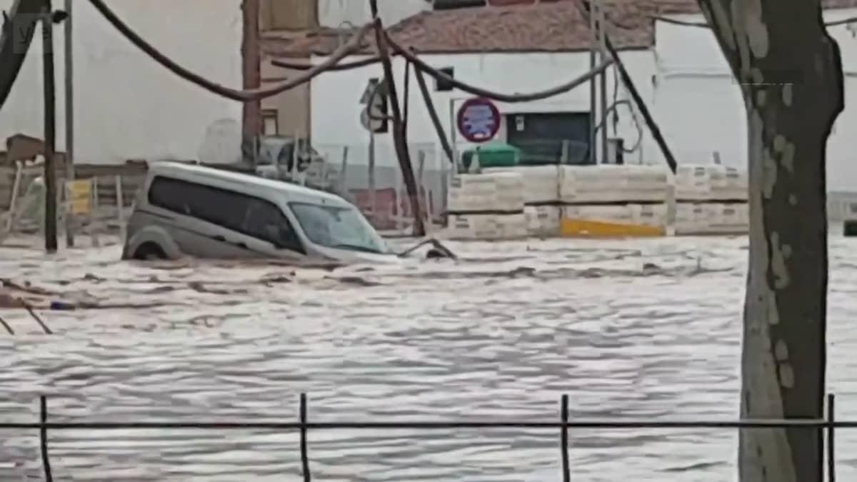 Tiet tulvivat läntisessä Espanjassa