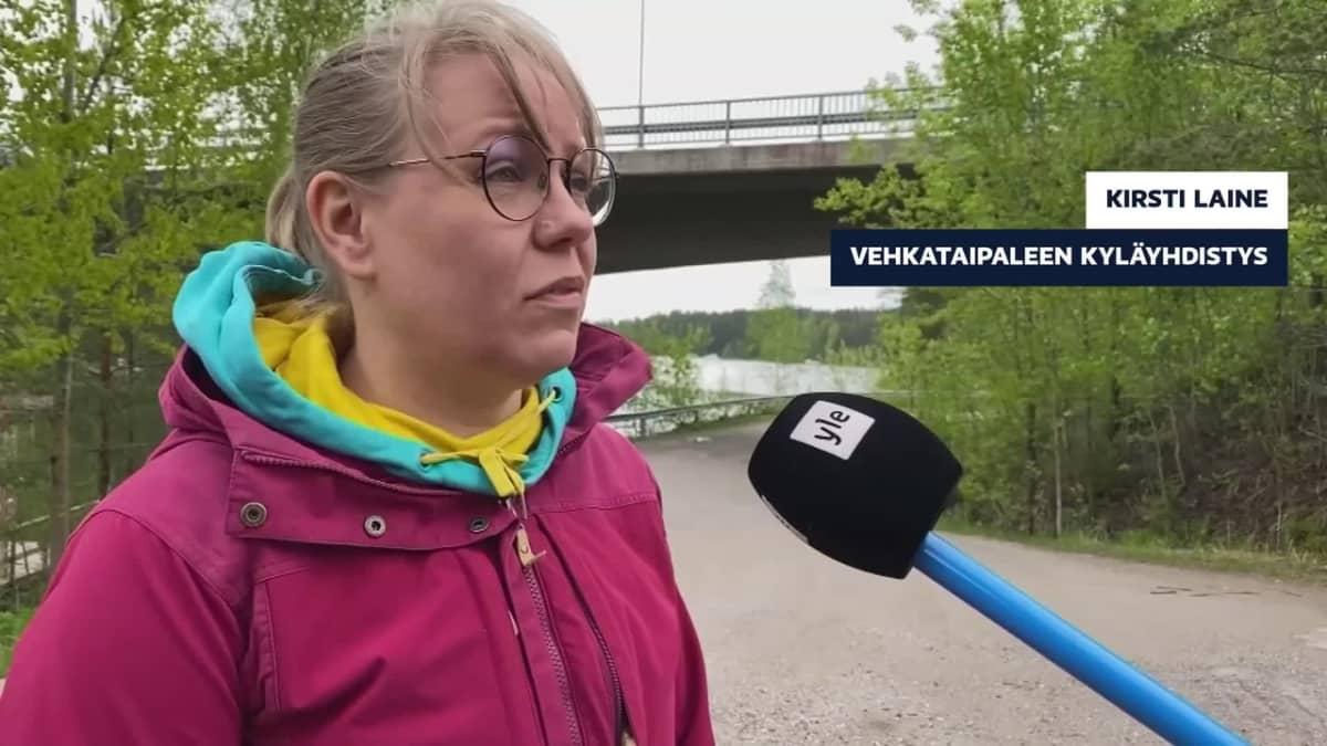 Kirsti Laine kertoo välikohtauksista Vehkataipaleentiellä