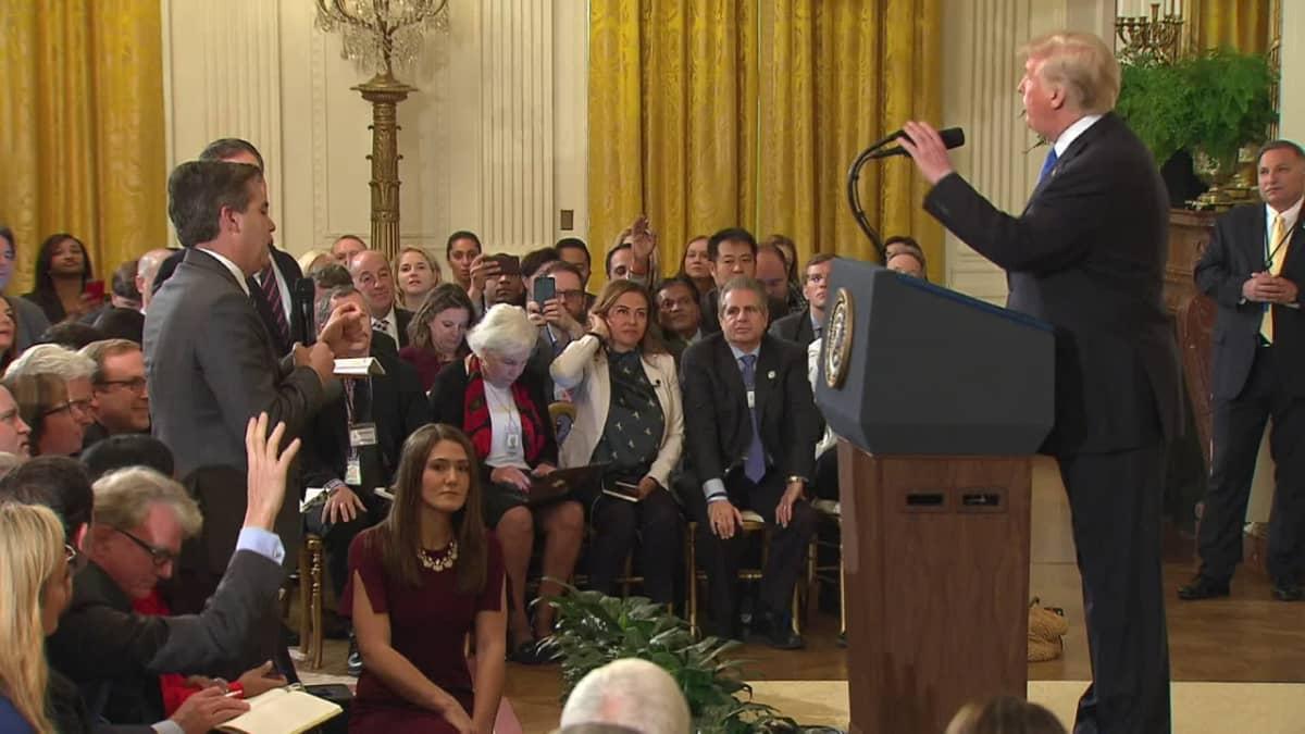 Trump hermostui lehdistötilaisuudessa