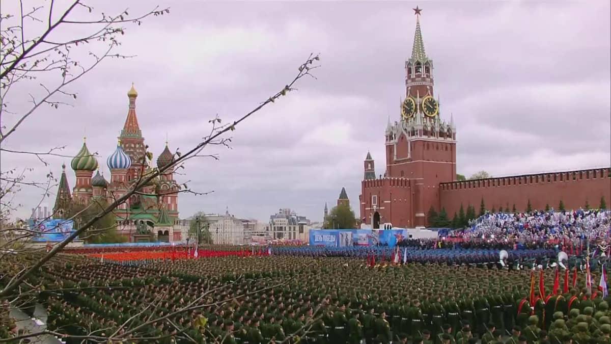 Moskovan Punaisella torilla pidettiin perinteinen voitonpäivän paraati