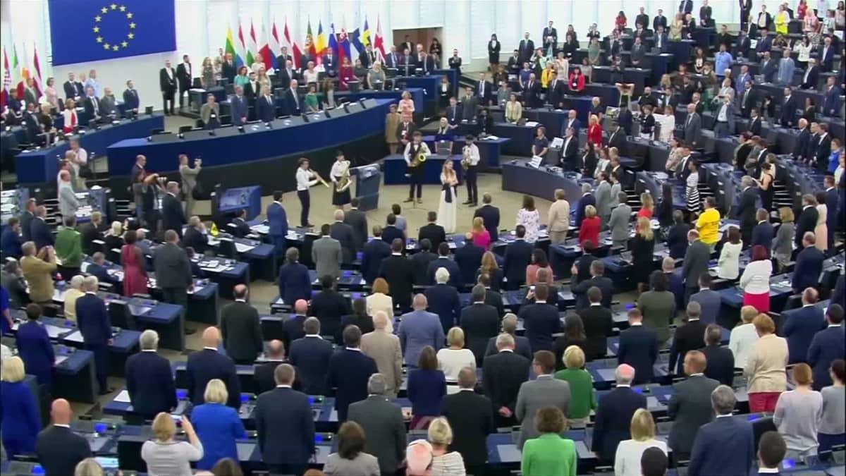 Britit protestoivat EU-parlamentissa