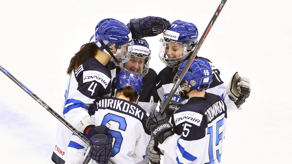 Suomalaiset juhlivat