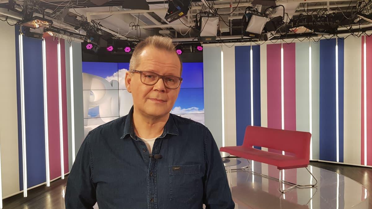 Kirjailija Kari Hotakainen