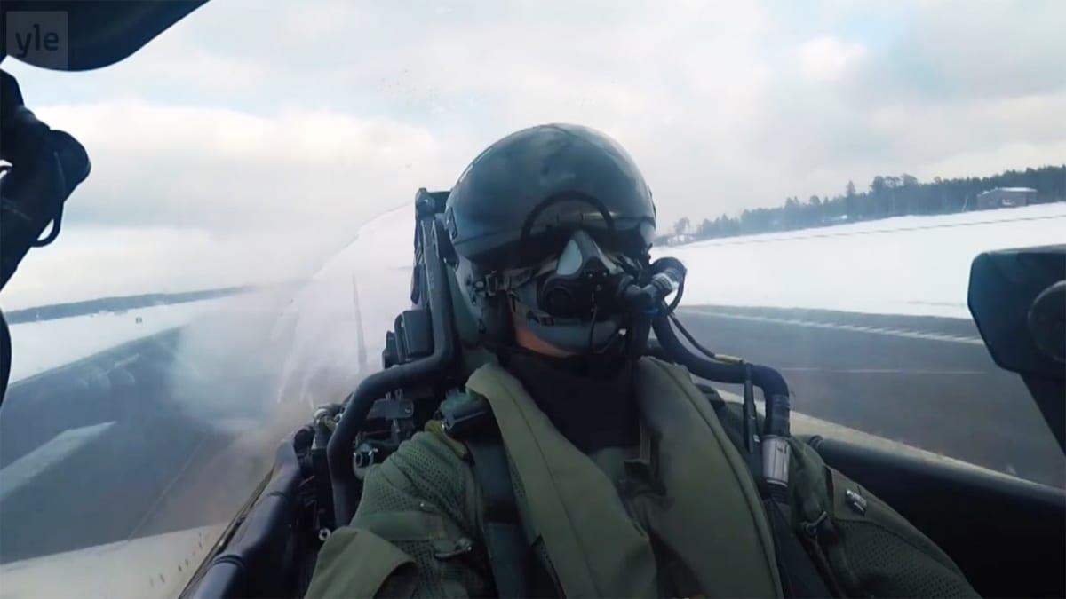 lentäjä