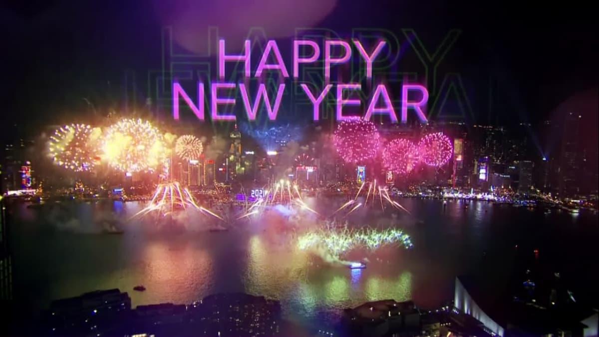 Hongkongissa järjesttiin perintein ilotulitus uudenvuodenvaihteessa.