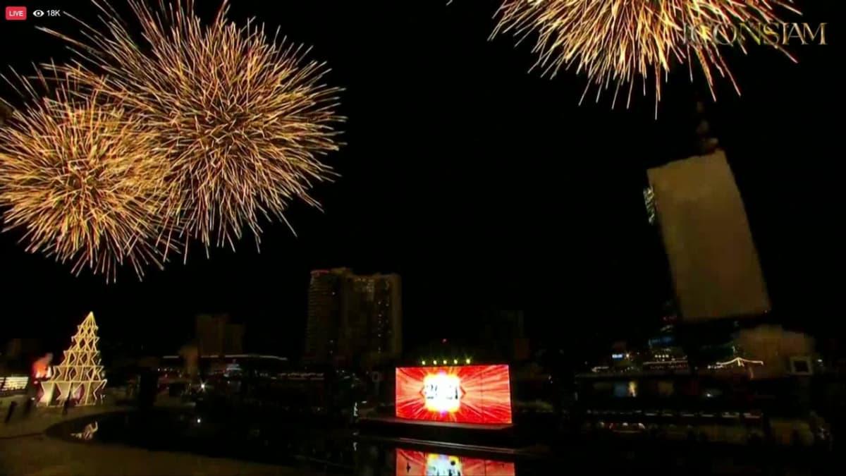 Bangkokin taivas valaistui uudenvuoden ilotulitteista, kun Thaimaa otti vastaan vuoden 2021.