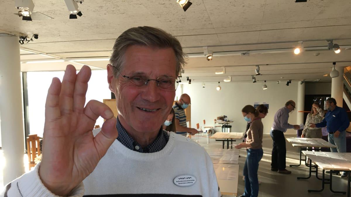Lars-Erik Wägar iloitsee