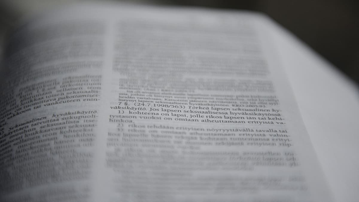 Lakikirjan sivu.