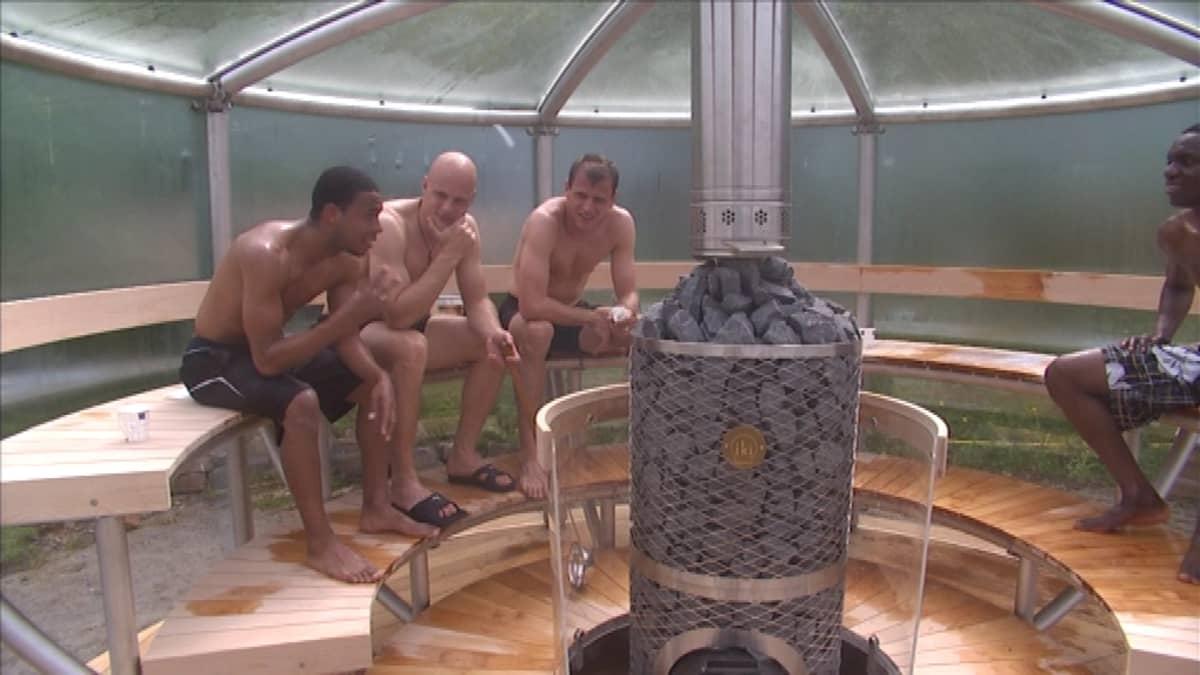 TPS:n pelaajat saunovat