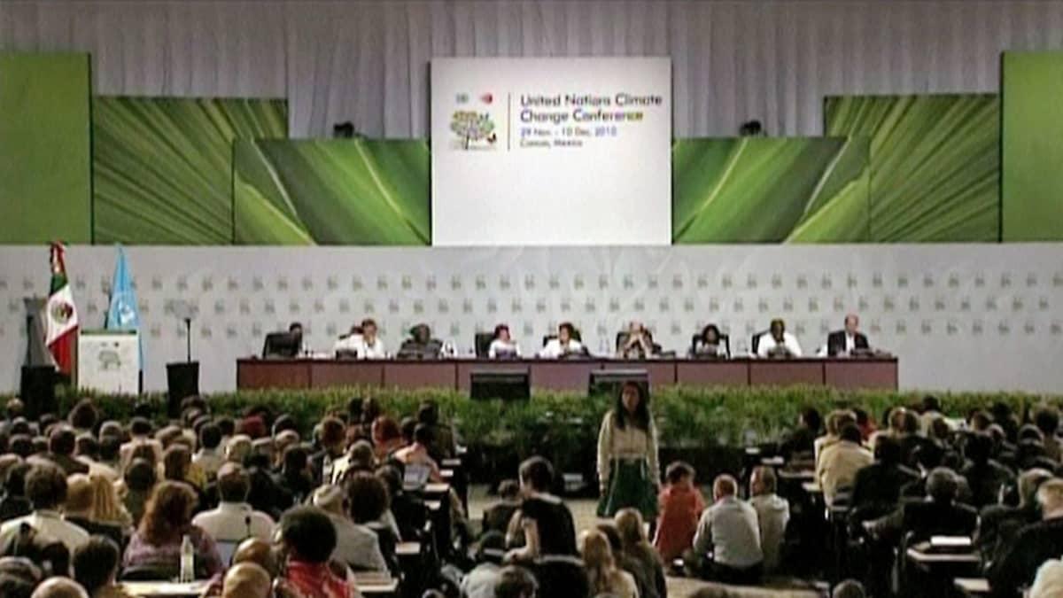 Kuva isosta kokoussalista Meksikon Cancúnissa.
