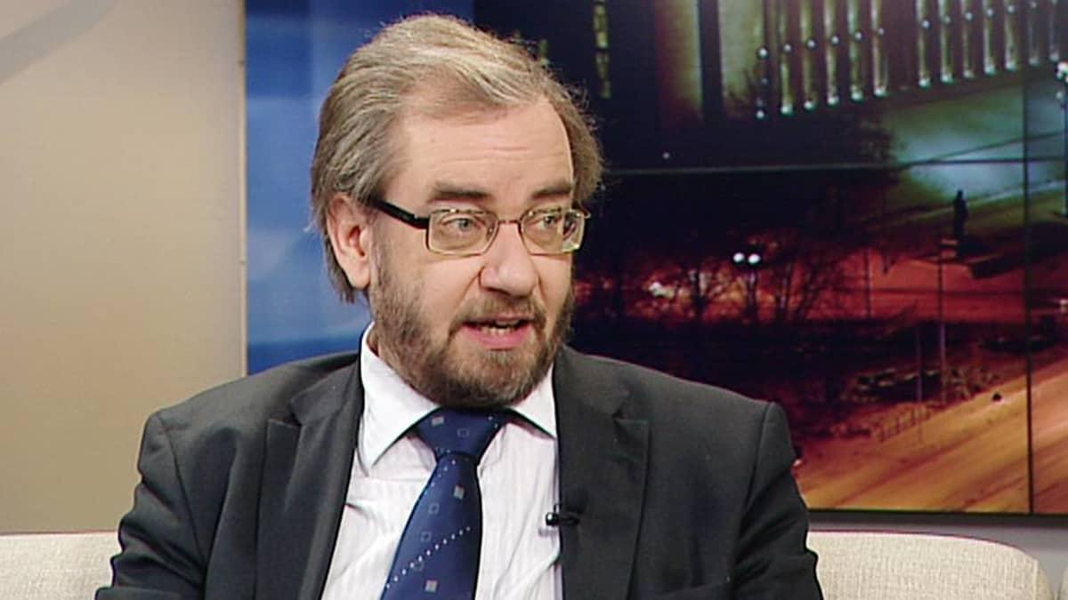 Professori Jaakko Hämeen-Anttila Aamu-tv:n vieraana 4. joulukuuta 2012.