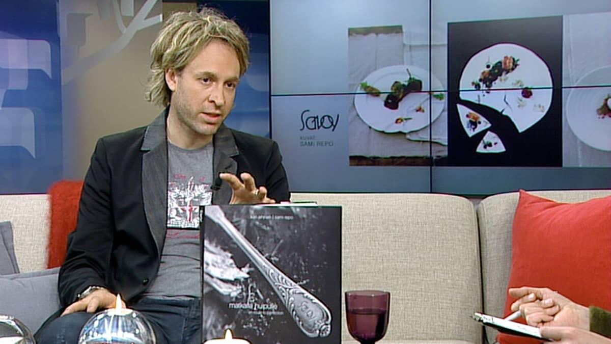 Ravintola Savoyn keittiöpäällikkö Kari Aihinen.