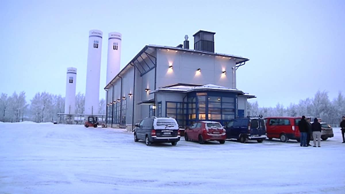 Woikosken hiilidioksidin talteenottolaitos Kokkolassa talvella 2013.