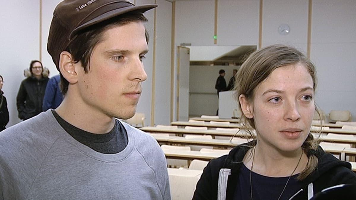 Kaksi Äärioikeisto Suomessa -kirjan kirjoittajista Mikael Brunila ja Li Andersson.